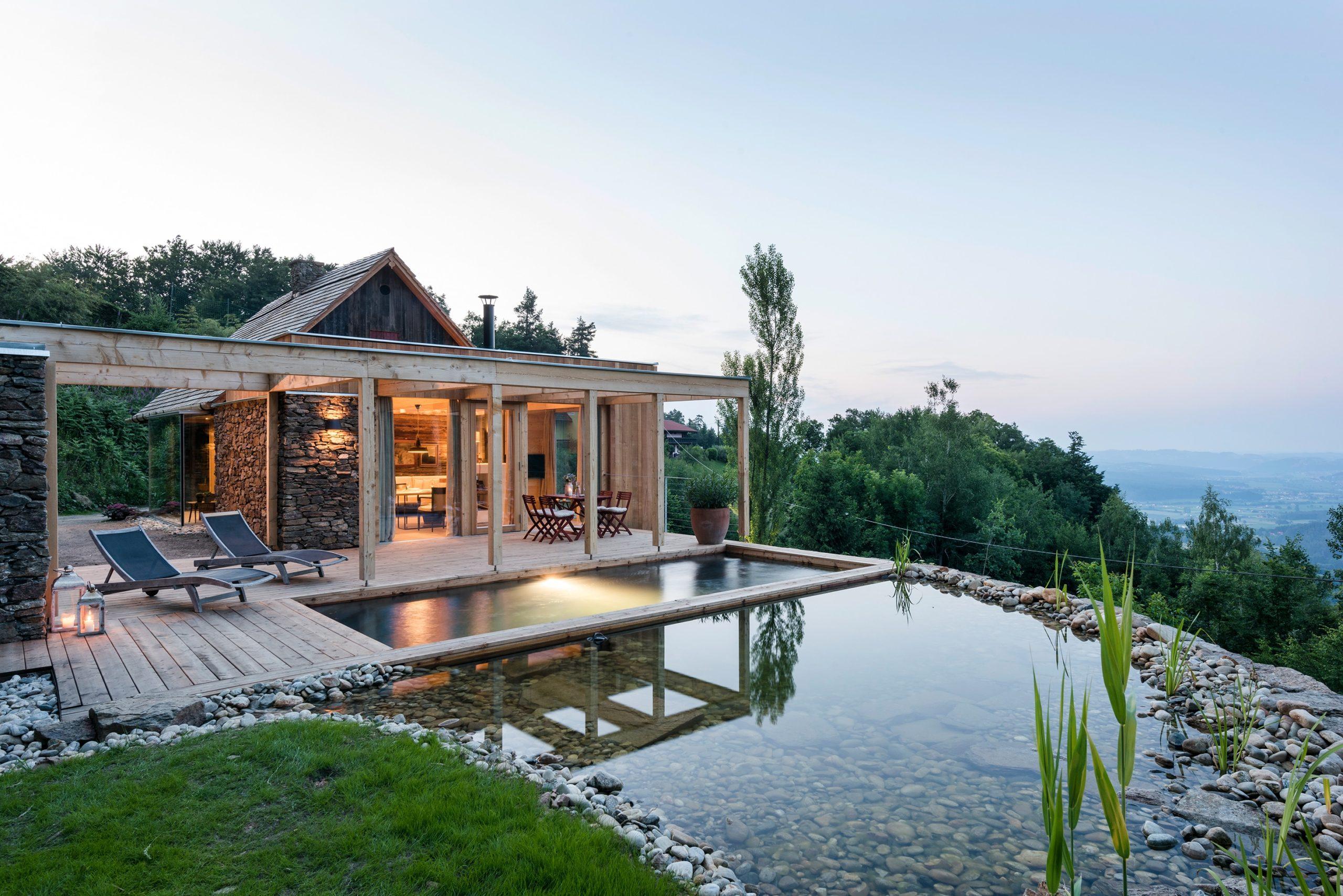 Luxus Ferienhaus Österreich mit Schwimmteich